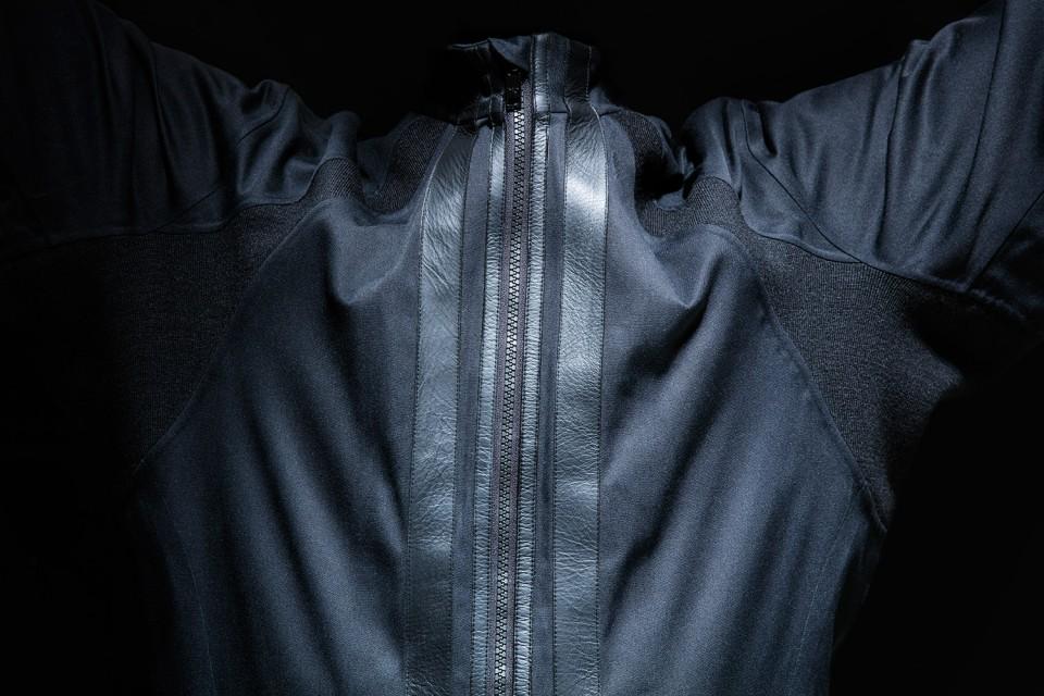 y-3-virgin-galactic-future-space-suit-006-960x640